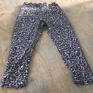 High waisted cropped leopard print leggings